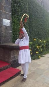The-royal-trumpet-welcome-Fort-Jadhavgarh
