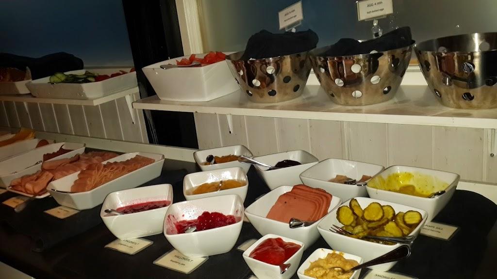 Camp-Ripan-Buffet-Breakfast