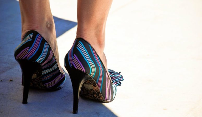 How to pick the right footwear size for women