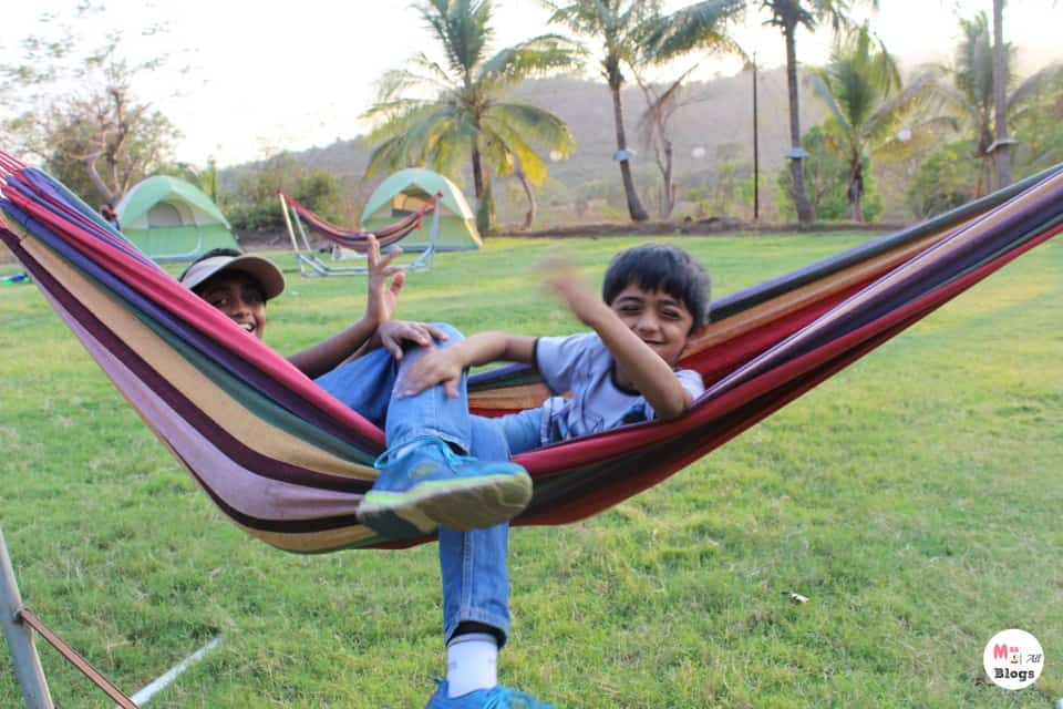 kids-in-a-camp
