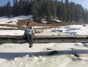 frozen lake Gulmarg